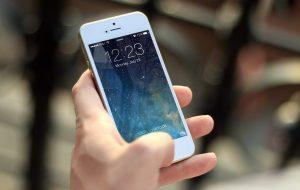 Czy warto jest doładowywać telefon on-line?